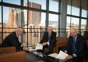 l-r: Sir Peter Crane (Dean, Yale School of Forestry and Environmental Studies), Edward Snyder (Dean, Yale School of Management) and Peter Bakker (President, World Business Council for Sustainable Development) sign off on their exciting new venture.